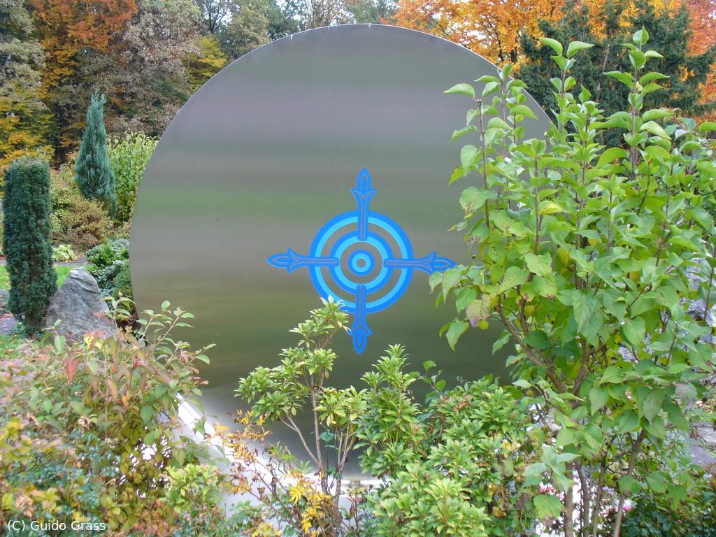 Rückseite des Grabes von Karlheinz Stockhausen