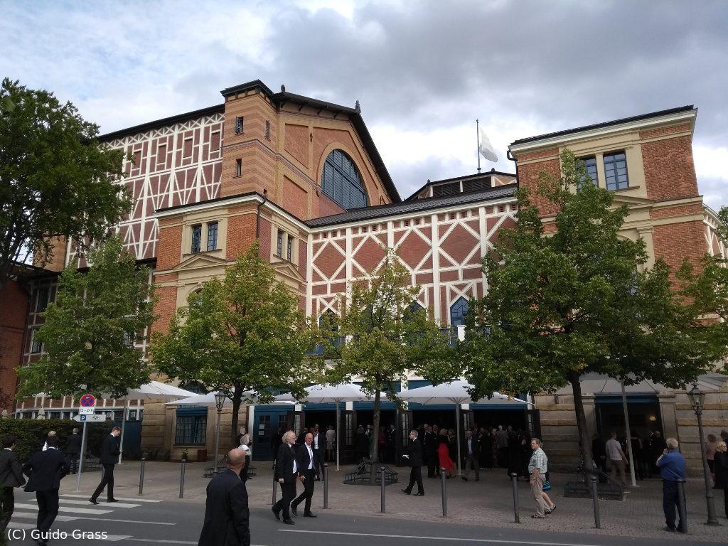 Bayreuther Festspielhaus (Westseite)